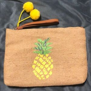Old Navy rattan straw clutch with Pineapple